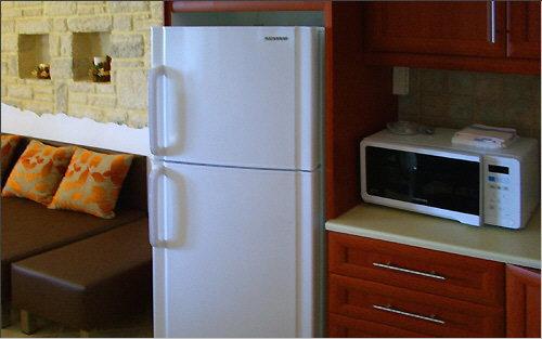 Integrated refrigerator and deep freezer